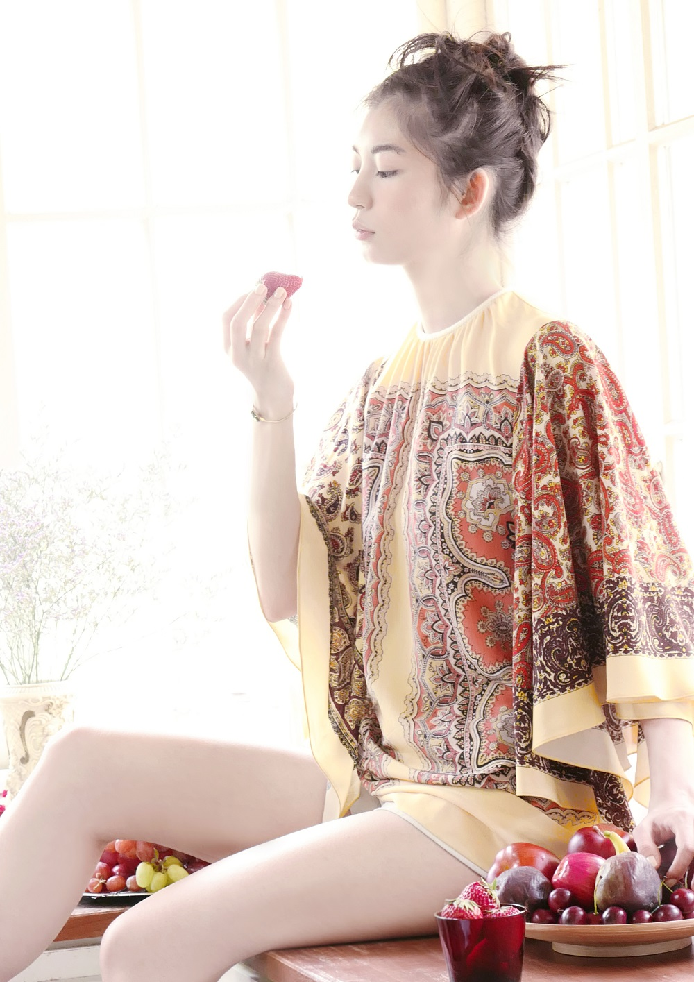 ミオ/初デジタル写真集『ミオ BIRTH』(撮影・安珠)