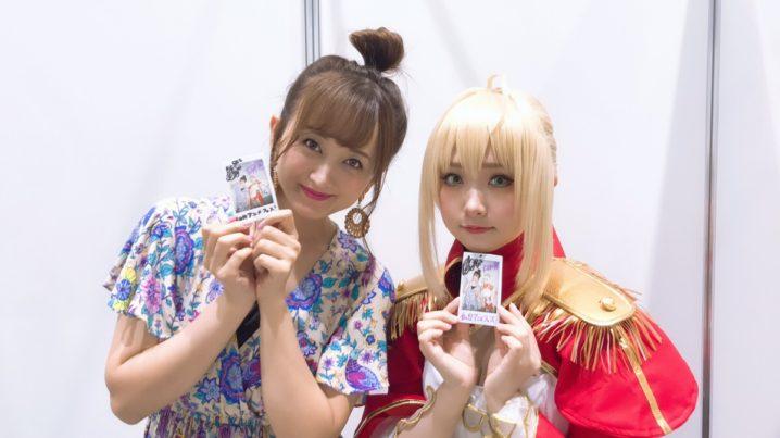 左:小松 彩夏  右:すみれおじさん