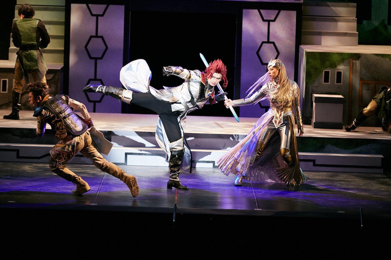 相楽伊織(元乃木坂46)が嫉妬に燃える愛憎の女戦士・カミーラ役を演じる舞台『DARKNESS HEELS~THE LIVE~』