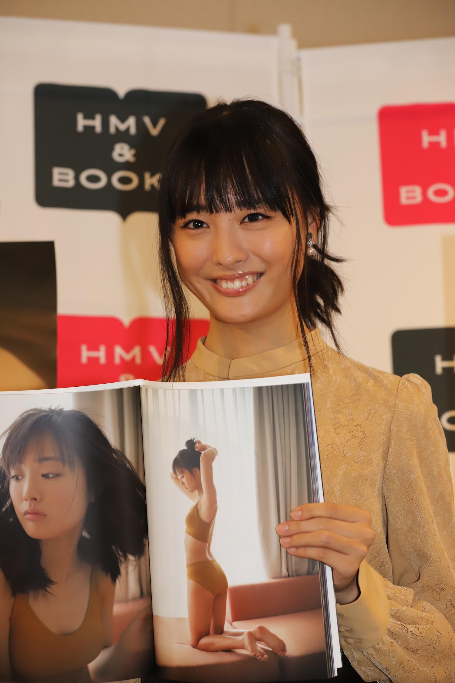 大友花恋(おおとも かれん)/2019年10月19日、3rd写真集「Karen3」(東京ニュース通信社刊)発売記念イベントにて