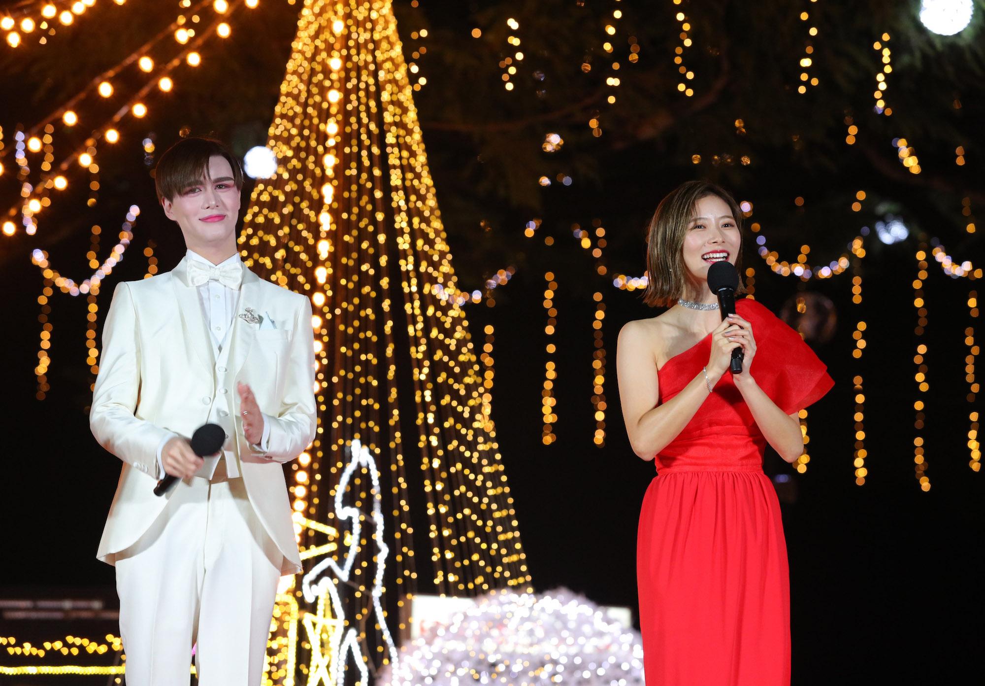 朝日奈央とMatt/2019年11月24日、中山競馬場クリスマスイルミネーション点灯式にて