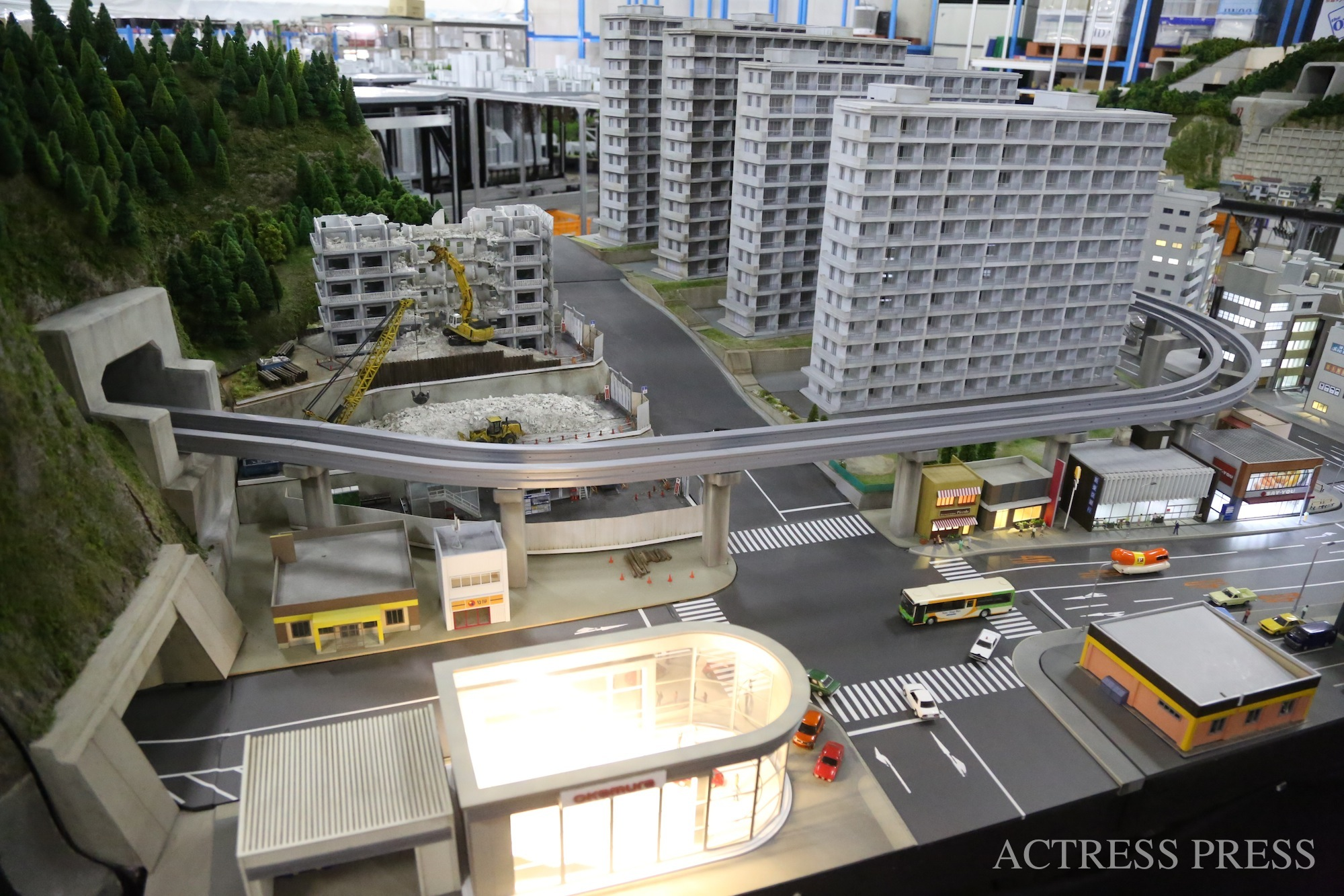 世界の街エリア/「SMALL WORLDS TOKYO」:撮影:ACTRESS PRESS編集部