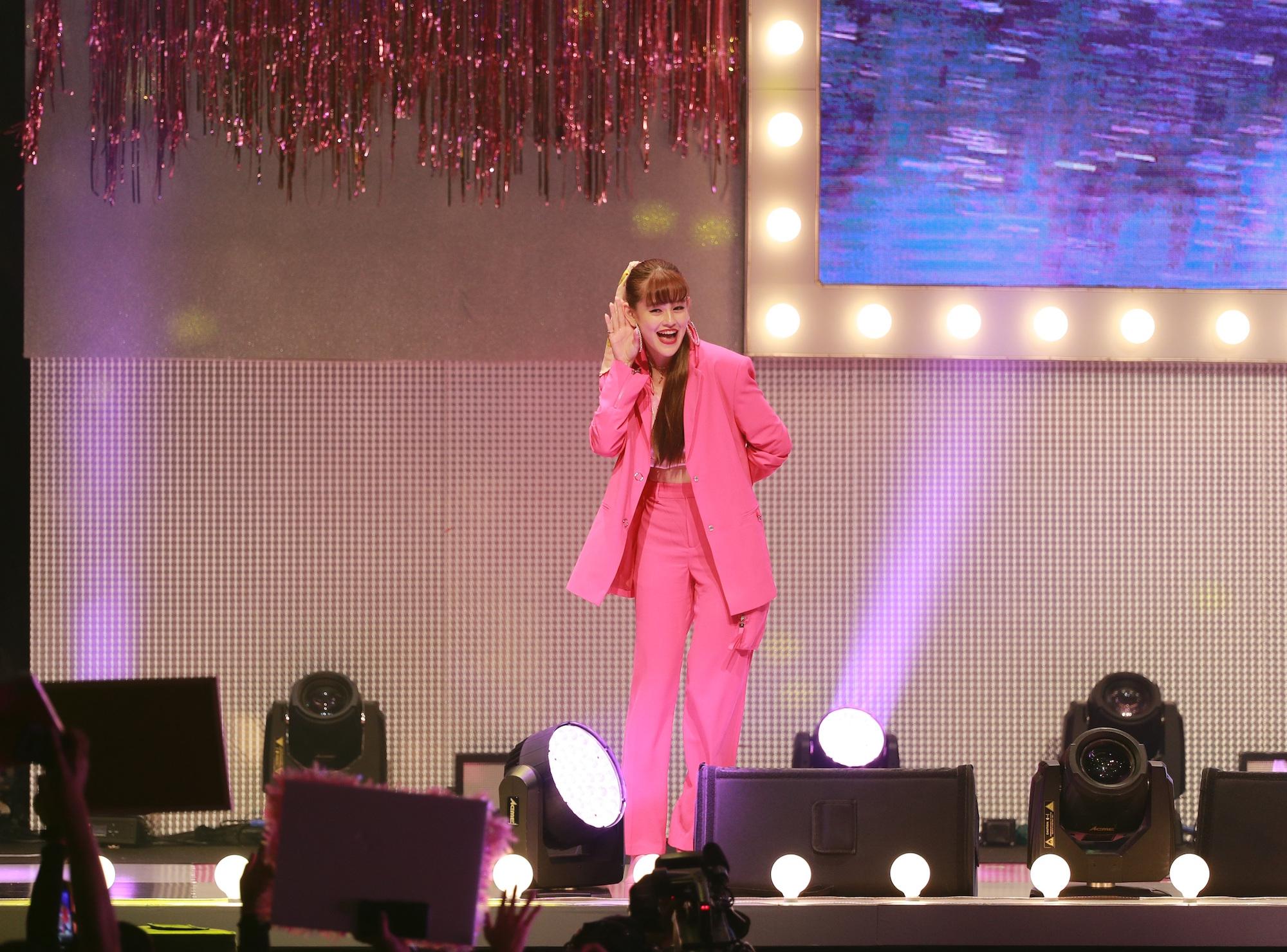 emma(ViViモデル)/ViViNight in Taipei(11月16日(土)、 台湾の新光三越Legacy MAXにて。
