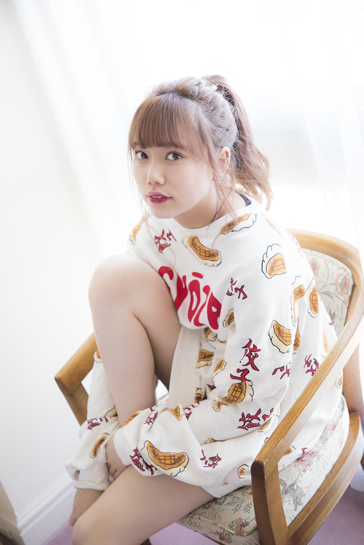 長 久玲奈 ( ちょう くれな )元 AKB48