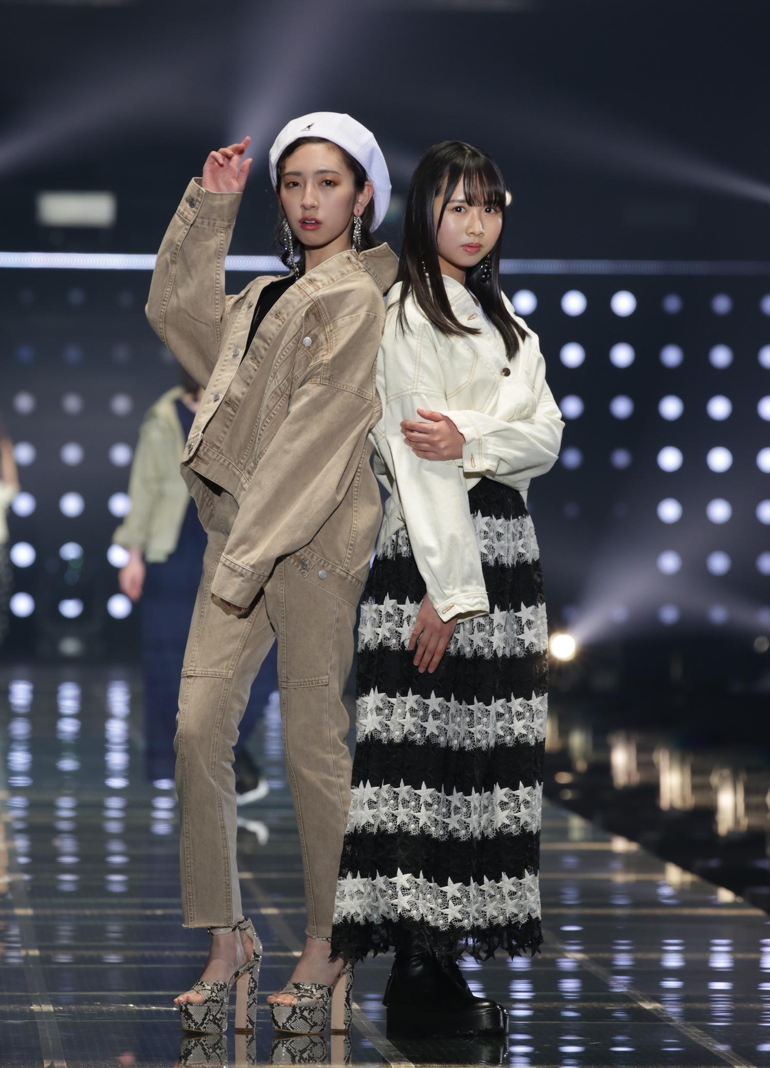 金村美玖・上村ひなの(日向坂46)/2020年2月29日、国立代々木競技場 第一体育館にて (C)マイナビ TOKYO GIRLS COLLECTION2020 S/S