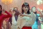 桐谷美玲 & ふてニャン、1980の時代へ!ボディコンギャルとディスコでダンシング!?Y!mobile 新CM、6月10日(金)よりオンエア!