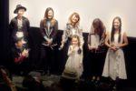 山田佳奈実、トロフィーにニッコリ!Music Short Film『The Sea』が、インディペンデント映画製作フォーラムにて、JAPANプレミア上映!