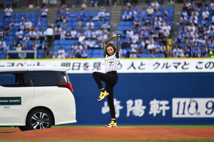 片瀬那奈が登板した『TOYOTA☆横浜トヨペットナイターPresented by 横浜トヨペット』始球式2018