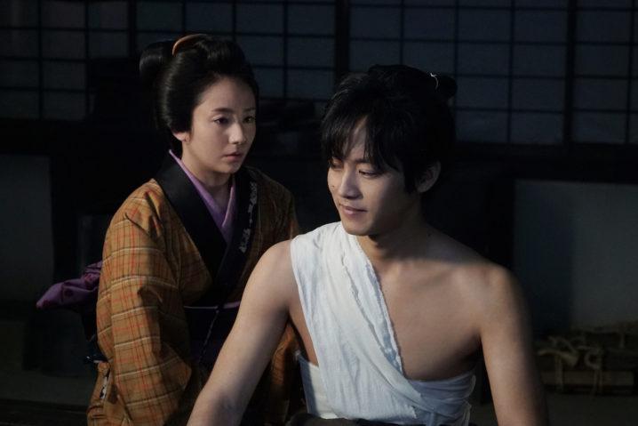 松坂桃李と木村文乃の2ショット場面写真/映画『居眠り磐音』