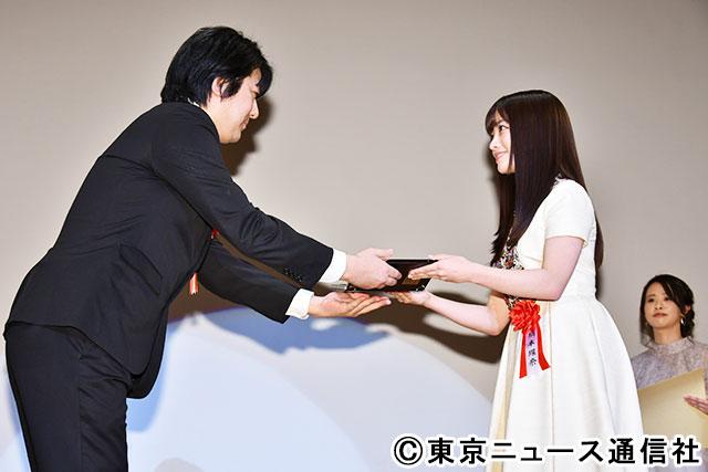 橋本環奈/2020年2月6日、「2020年 エランドール賞」の授賞式にて