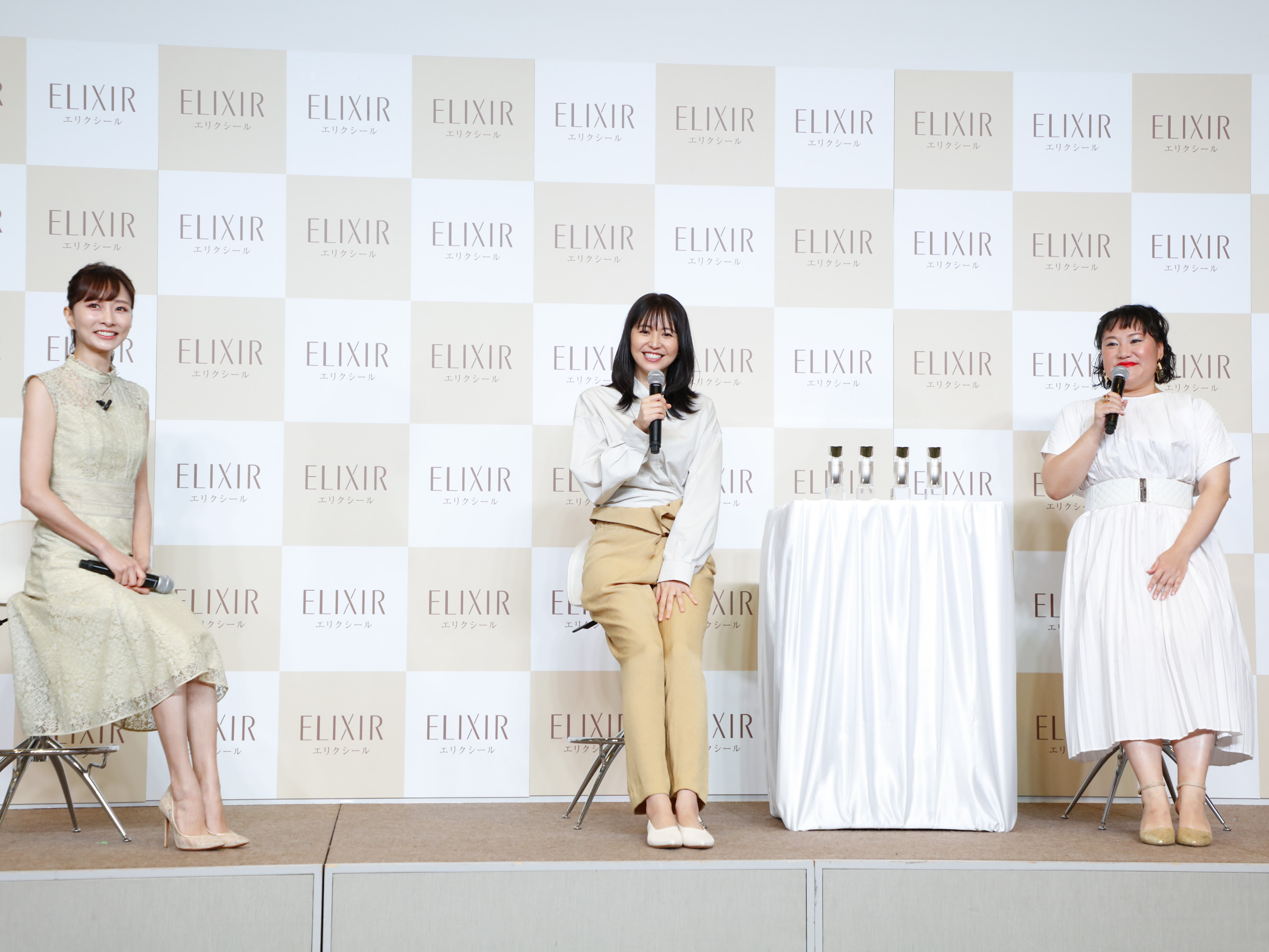 石井美保・長澤まさみ・バービー/エリクシールの新ミューズ発表会にて(2020年8月20日)