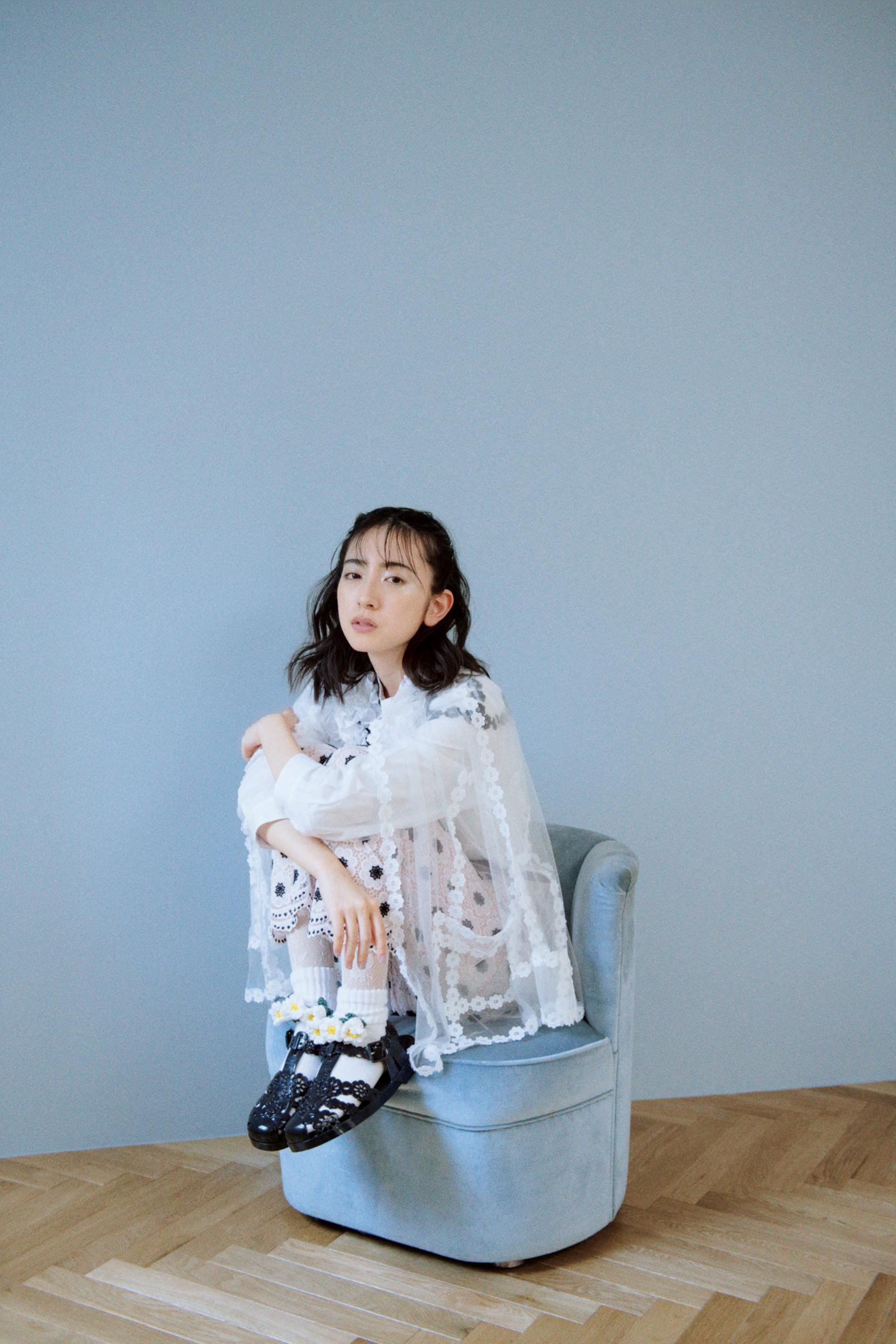 金村美玖(日向坂46)、女性ファッション誌『bis』