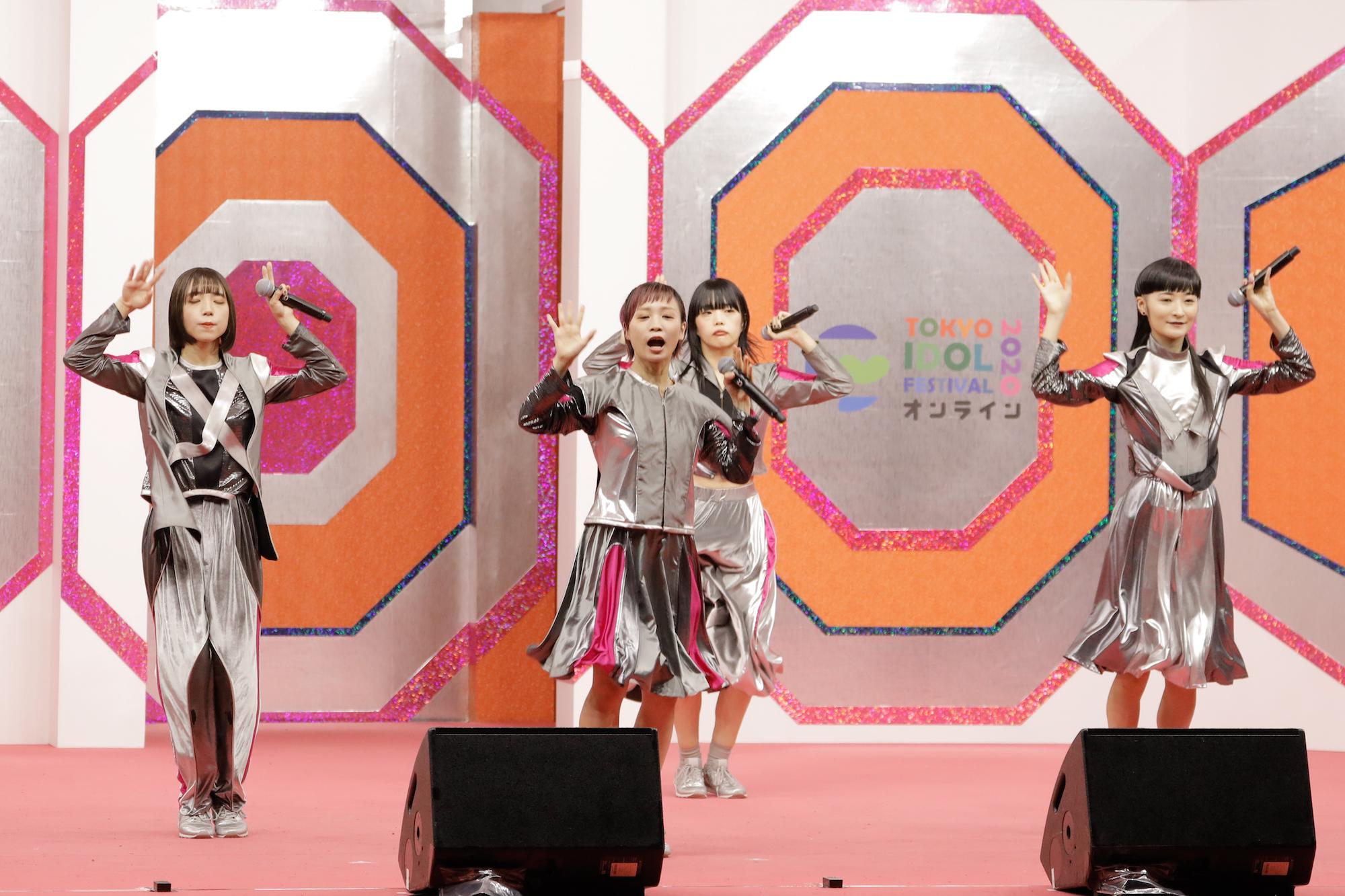 BiSH/TOKYO IDOL FESTIVAL オンライン 2020にて/撮影:ACTRESS PRESS編集部(2020年10月)