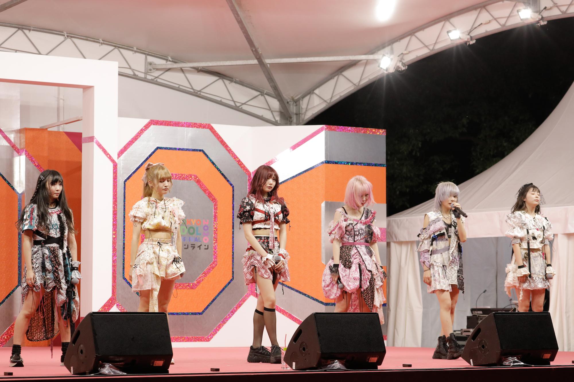 雅雀り子、西井万理那、藍染カレン、大森靖子、香椎かてぃ、巫まろ ZOC/TOKYO IDOL FESTIVAL オンライン 2020にて/撮影:ACTRESS PRESS編集部(2020年10月)