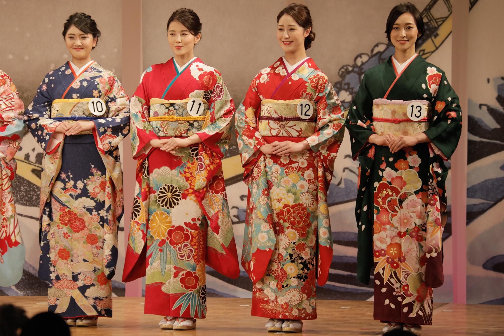 ミス日本、ブライダルスタイリスト SOGA による振袖と着付けで登場