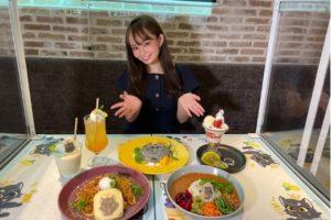 Reporter:梶山悠莉彩/『てごにゃんカフェ』にて。(ACTRESS PRESS編集部)