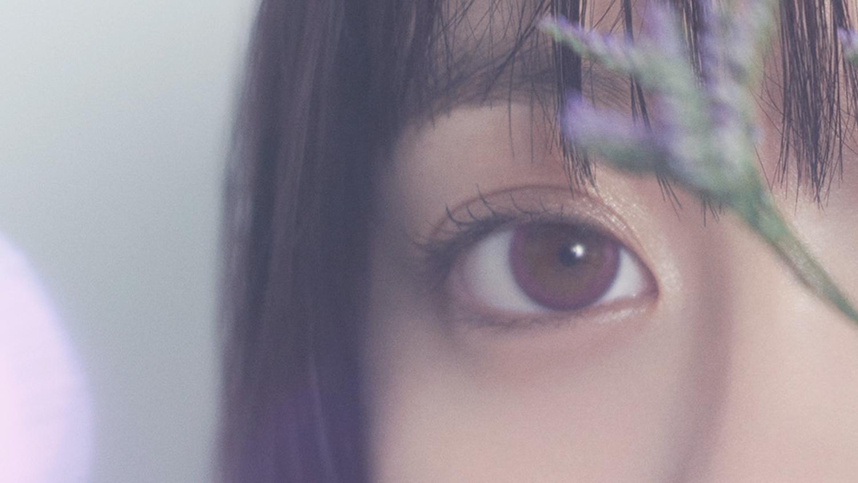 橋本環奈がデザイン監修したカラコン「メロウマーブル」