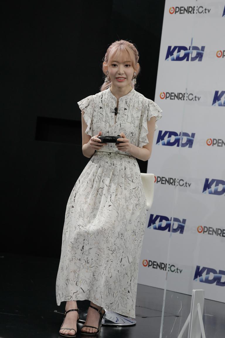 宮脇咲良(KDDI × OPENREC.tv 発表会にて。2021年7月6日)