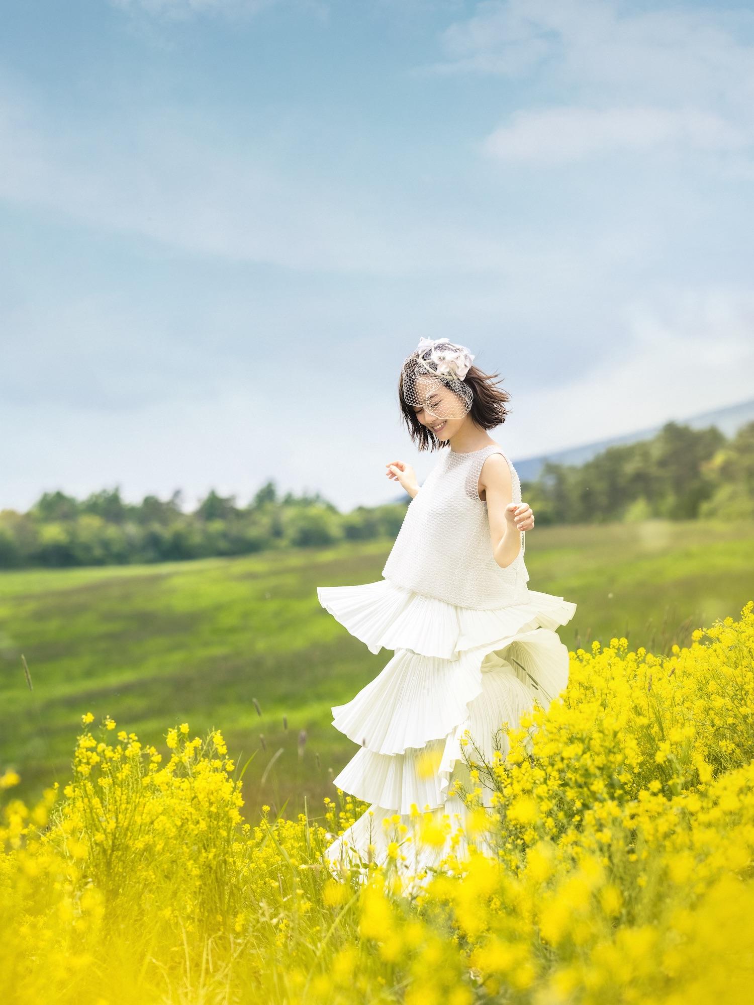 山下美月(乃木坂46)、初のウエディングドレス姿 披露