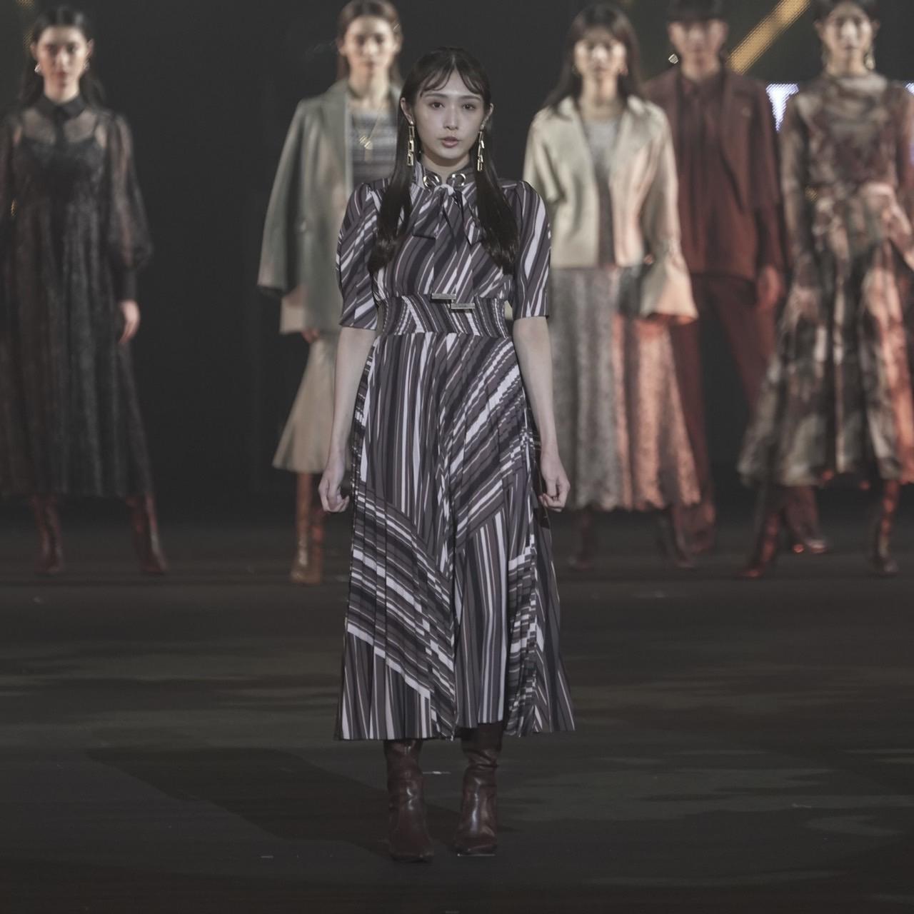 渡辺梨加(櫻坂46)東京ガールズコレクション 2021 AUTUMN/WINTER