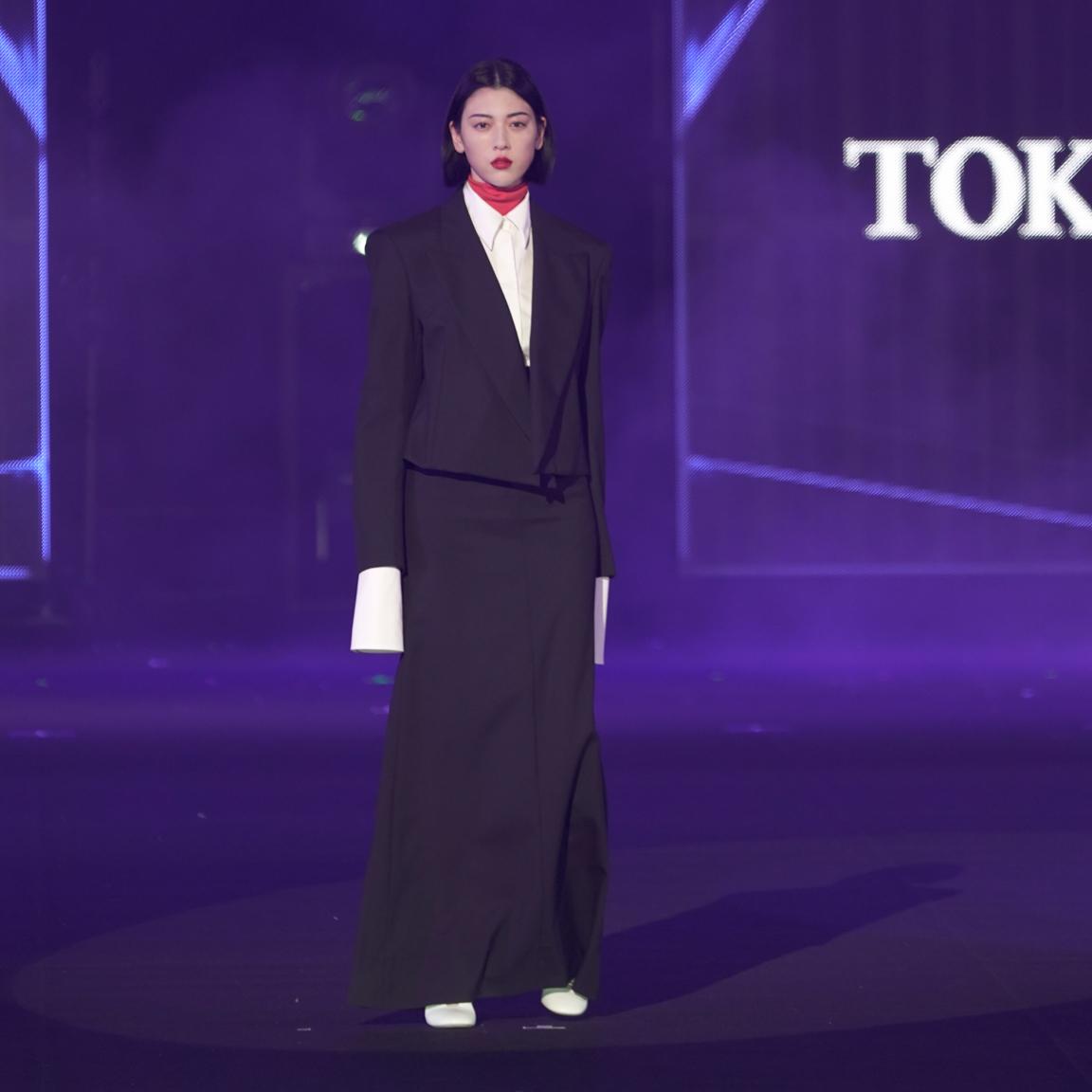 三吉彩花・TGC 東京ガールズコレクション 2021 AUTUMN/WINTER