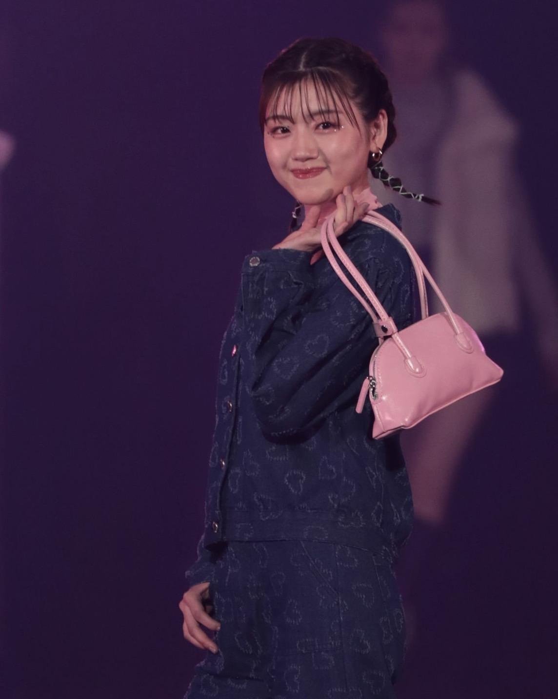 佐々木美玲(日向坂46)in TGC 2021 A/W