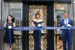 佐々木希、約4.4億円のジュエリーを着用し「ハリー・ウィンストン新宿店」オープニングセレモニーに登場!
